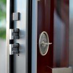 Come scegliere al meglio il pannello per la porta blindata
